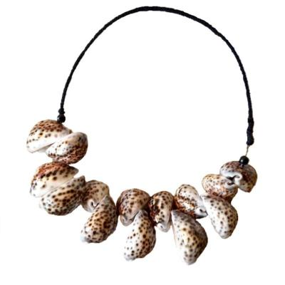 Collier Leony, coquillages marrons